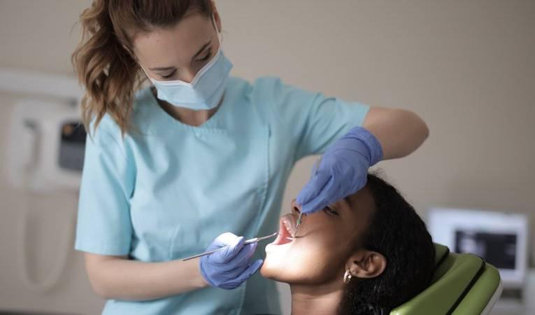 Dlaczego warto dbać o higienę jamy ustnej?