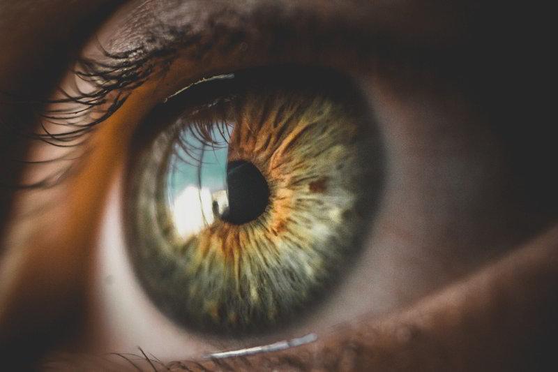 czy-po-laserowej-korekcji-wzroku-wada-wraca